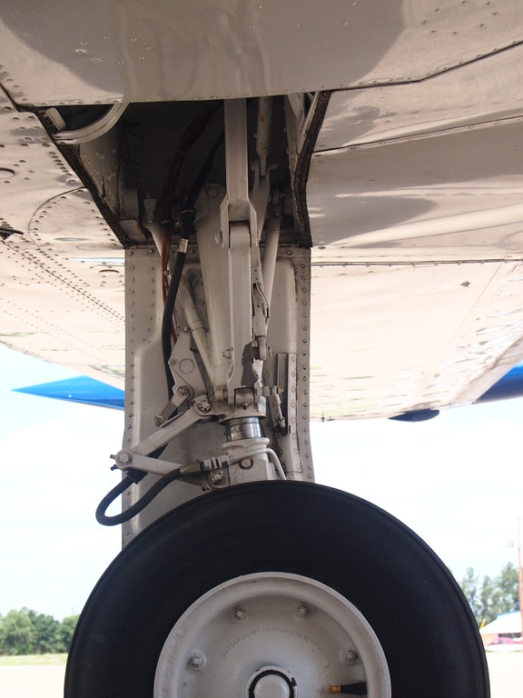 Landing gear appears to be very good overall