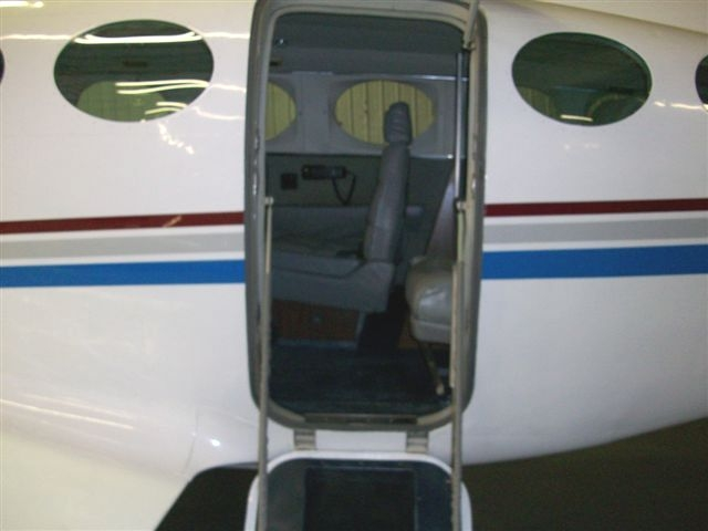 Entry to aircraft